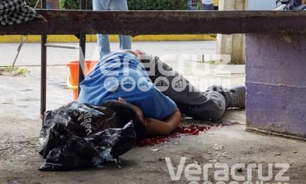 Asesinan a balazos a jovén frente a puesto de comida en Infonavit Tenechaco