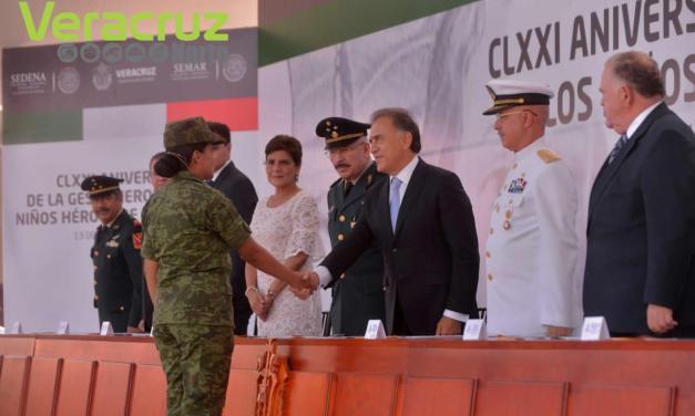 Reconoce Gobernador Yunes el gran apoyo de las Fuerzas Armadas en Veracruz