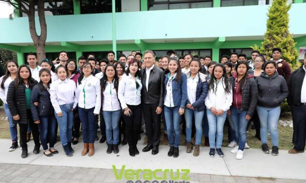 Gran Inversion en Mejoramiento de Escuelas: Yunes Linares