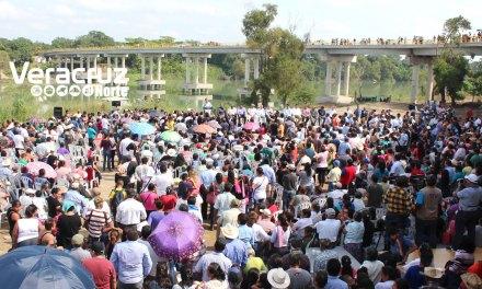 Yunes Linares inaugura obras de impacto social que detonarán desarrollo