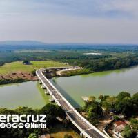 """Inaugura el Gobernador Yunes el Puente """"El Ojite"""" sobre el río Tuxpan; comunica Álamo y los municipios de la Huasteca norte con el Puerto de Tuxpan"""