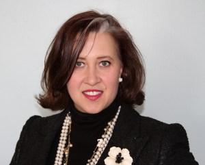 Diane Vallere Author small