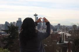 travel blogger explore