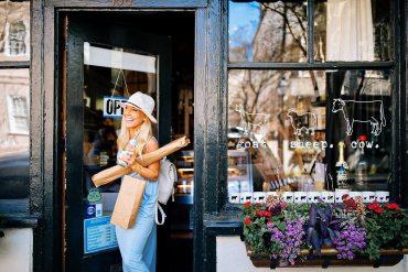 foodie spots where to eat charleston south carolina travel blogger
