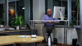 Active Desk : perdez des calories grâce à ...votre bureau.