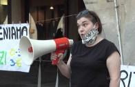 """Vercelli: la protesta di genitori, studenti e insegnanti, come in 60 piazze d'Italia. """"Non è questa la scuola che vogliamo"""""""