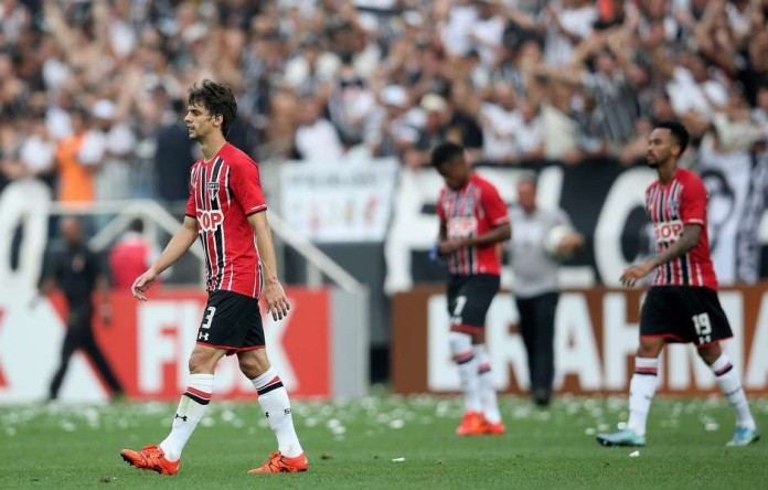 xxx of Corinthians fights for the ball with xxx of Sao Paulo during the match between Corinthians and Sao Paulo for the Brazilian Series A 2015 at Arena Corinthians on November 22, 2015 in Sao Paulo, Brazil.