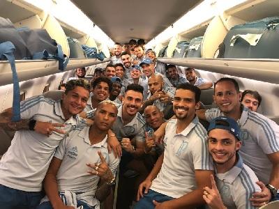 Delegação registra a viagem entre Recife e BH.