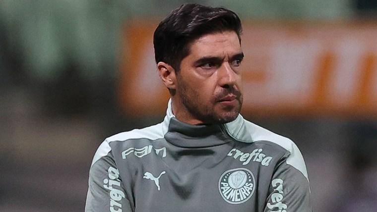Abel Ferreira durante jogo do Palmeiras no Allianz Parque