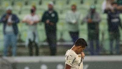 Dudu comemora seu gol pelo Palmeiras contra o Red Bull Bragantino, durante partida válida pela vigésima quinta rodada do Brasileirão 2021, no Allianz Parque.