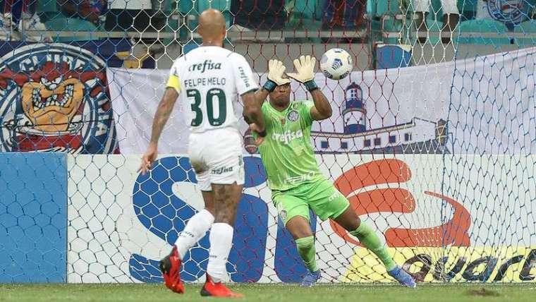 Jailson em jogo do Palmeiras contra o Bahia, durante partida válida pela vigésima sexta rodada, do Brasileirão 2021, na Fonte Nova.