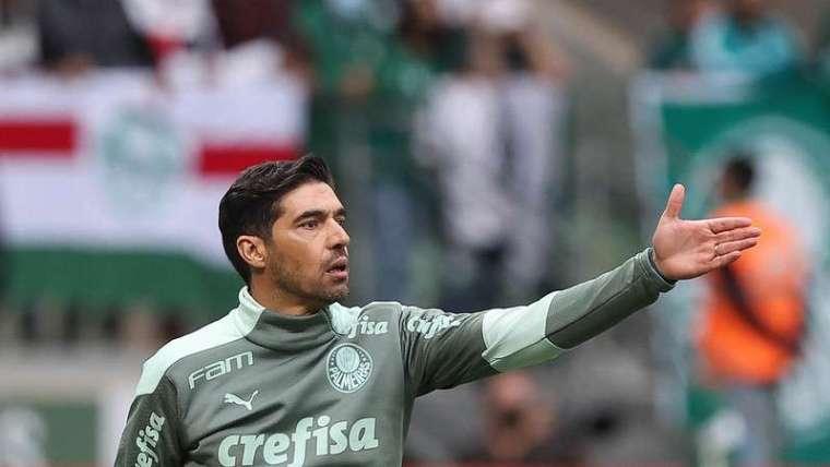 Abel Ferreira em jogo do Palmeiras contra o Internacional, durante partida válida pela vigésima sétima rodada do Brasileirão 2021, no Allianz Parque.