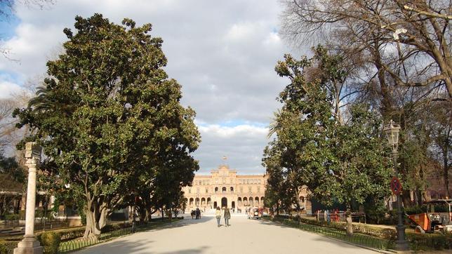 Parque Maria Luisa, Plaza de España al fondo