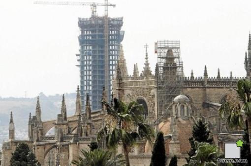 como se destruyó un paisaje histórico ;catedral y Torre Pelli