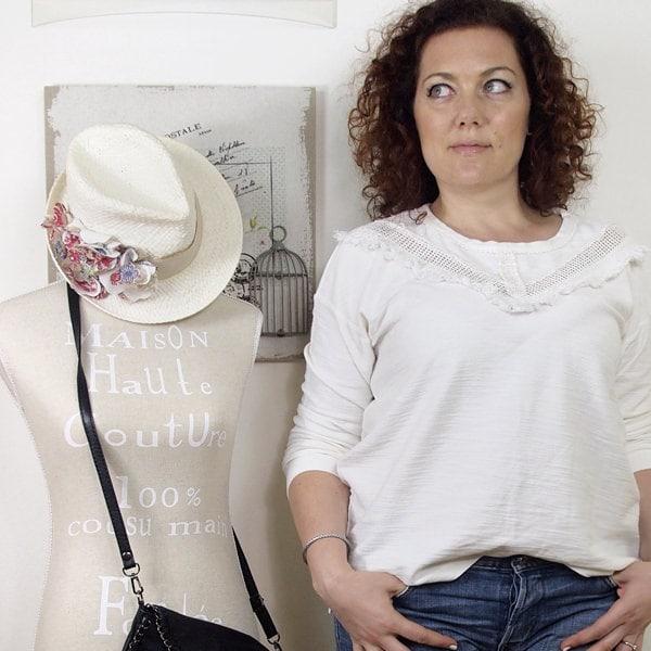 Verdementa_Blog-outfit-curvy-maglia-bianca-frange-02