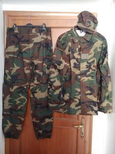 divise militari,uniformi militari,copricapo militare