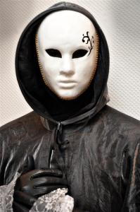 uomo mascherato