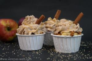 Bratapfel-Cupcake mit Zimtsahne