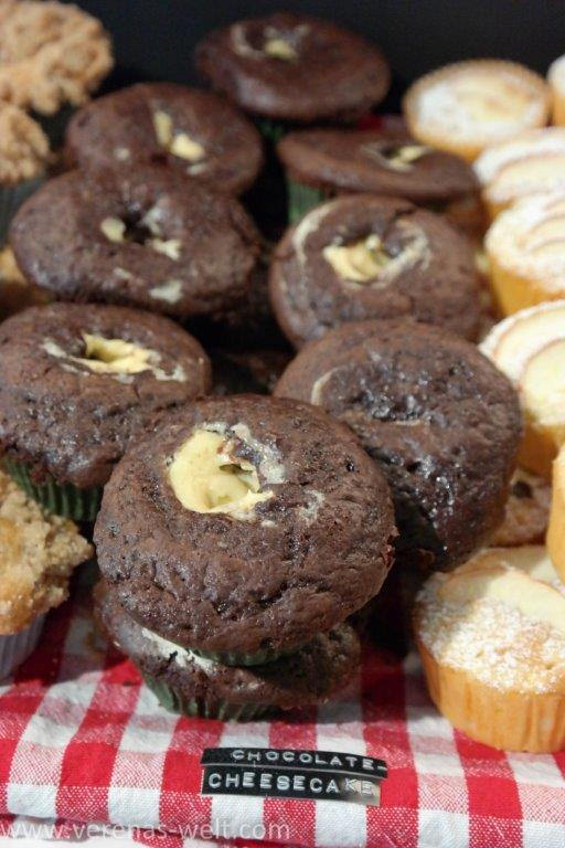 Chocolate Cheesecake Muffins