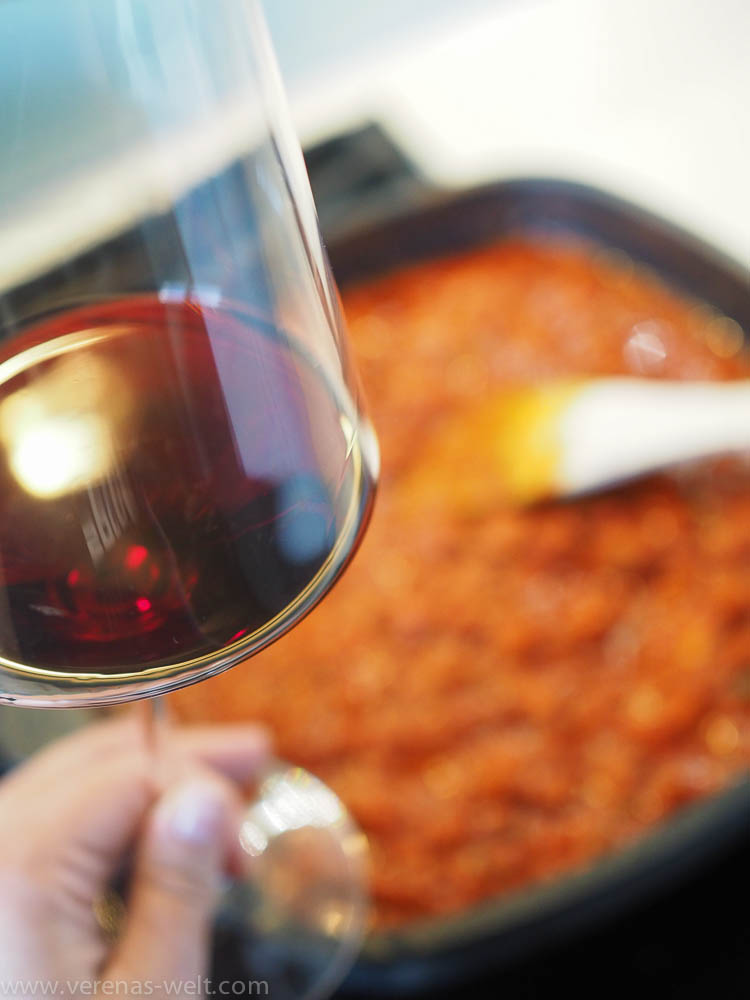 Pasta mit kräftiger Salsiccia-Sauce: Tortiglioni al ragù di salsiccia