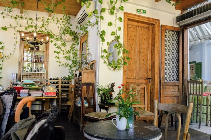 Yiasemi Breakfast Cafe - Athens, Greece, Europe - Honeymoon Part 1 - Athens is a beautiful capital city rich with history. With it's impressive Acropolis and quaint pedestrian streets, we headed here for our Honeymoon Part 1! Veritru Travel Blog