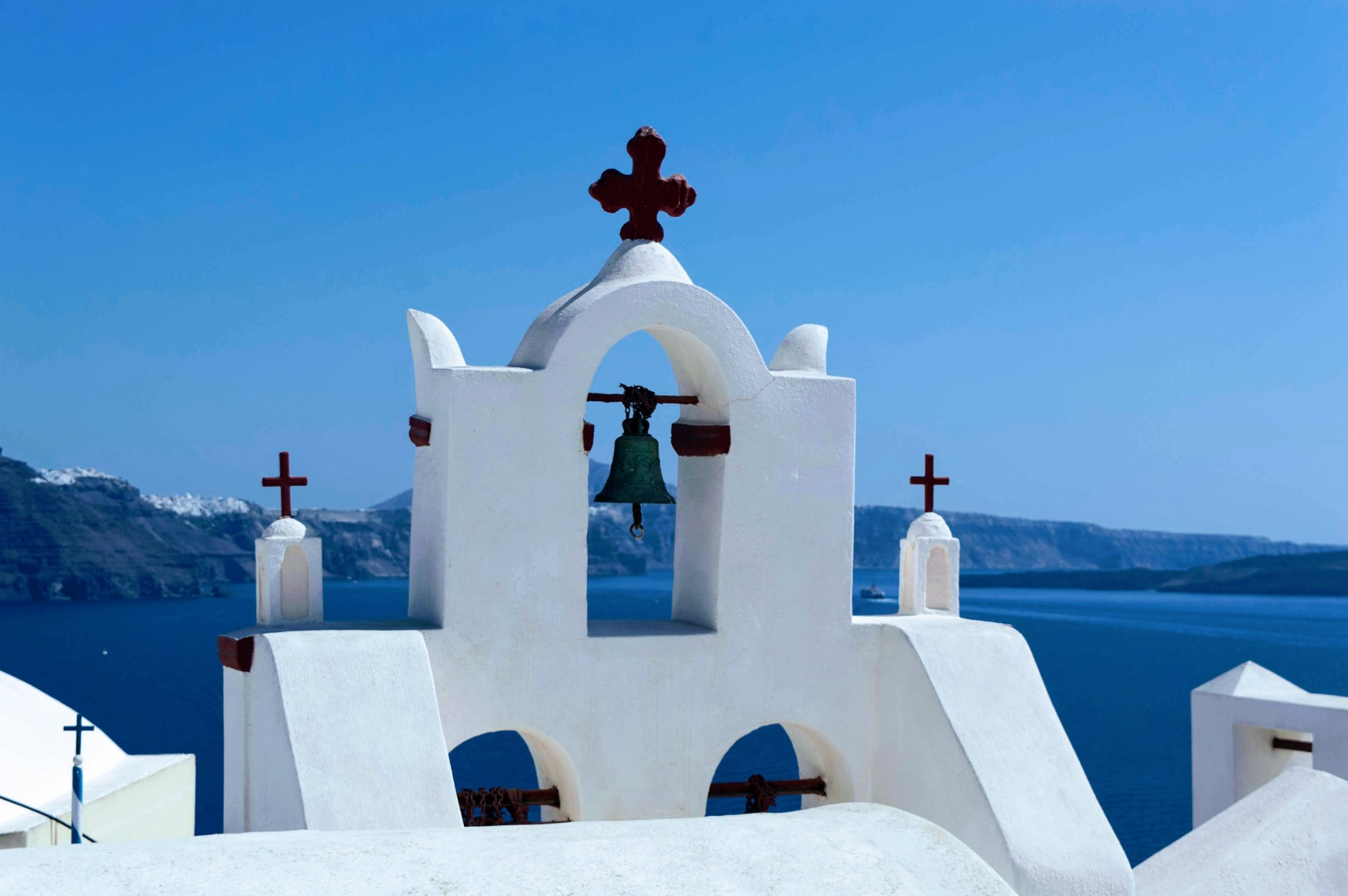 Oia Bell Church - Honeymoon Part 2 - Oia in Santorini Greece is beautiful with its pretty caldera view, sunsets, windmills and quaint pedestrian streets, we headed here for our Honeymoon Part 2! - Greek Island, Europe - Veritru