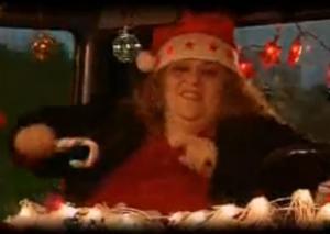 Hanna Tokkie in de clip van 'Verre Kerst'