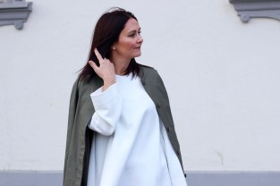 woman over 40, fashion over 40, mum, cos, coat, long champ, relaxed-fit jeans