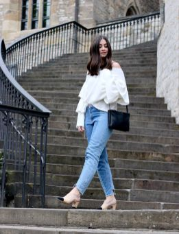 Chanel Slingback Pumps, Cropped Jeans, Rüschen Pullover, Celine Trio Bag, Streetstyle, Fashionblogger