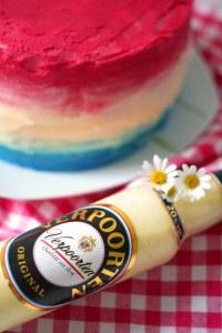 Pinata-Schoko-Kuchen mit Himbeeren und Eierlikr ...