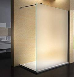 paroi et porte de douche en verre sur