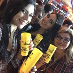 Equipe Laluk Semijóias com a empresária Kelma Andrade (1a da esquerda para direita)