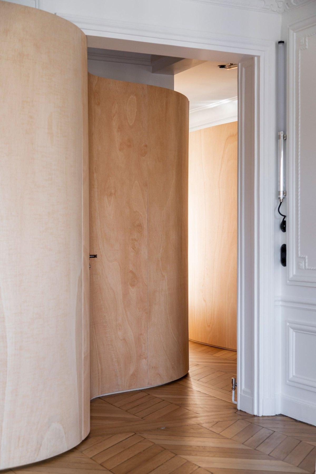 Wooden Ribbon Paris Apartment Renovation Gabrielle Toledano Architects Yellowtrace