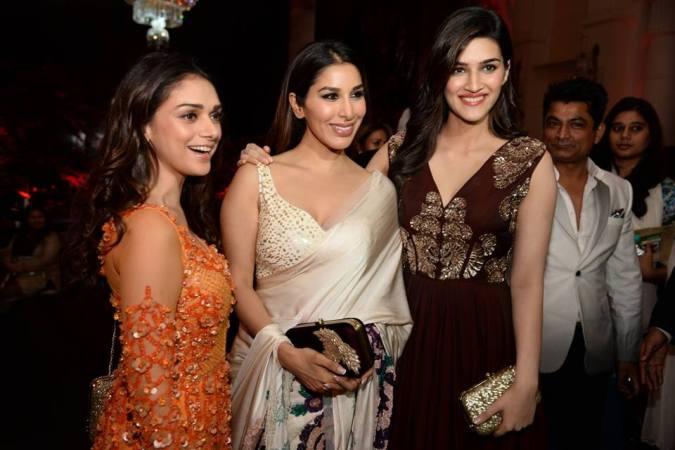 Aditi Rao Hydari, Sophie Chaudhary and Kriti Sanon at Manish Malhotra's finale show