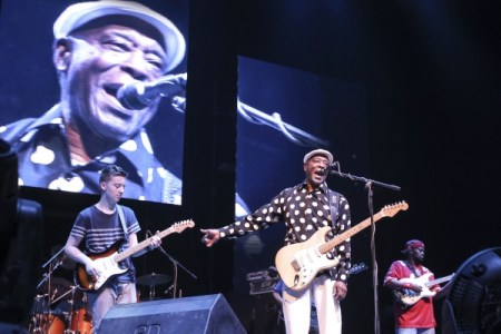 Quinn Sullivan, Buddy Guy at the Mahindra Blues Festival 2015