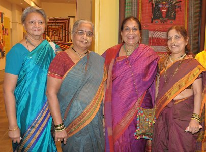 Charu Gupte, two quiltworkers with Geeta Khandelwal
