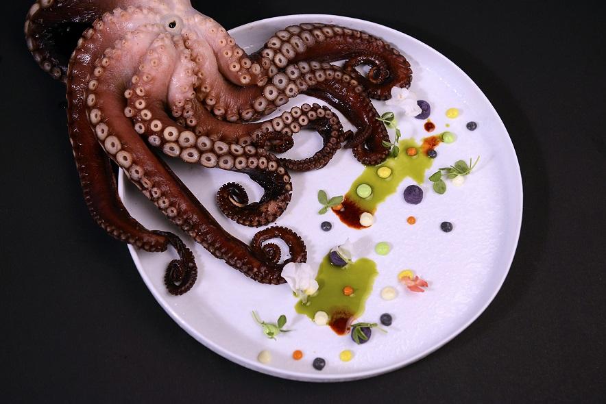 Dildeep Kalra, Featured, Food, Food review, Massive Foods, Mumbai, Online Exclusive, Restaurant, Rivers 2 Oceans, Seafood, Zorawar Kalra