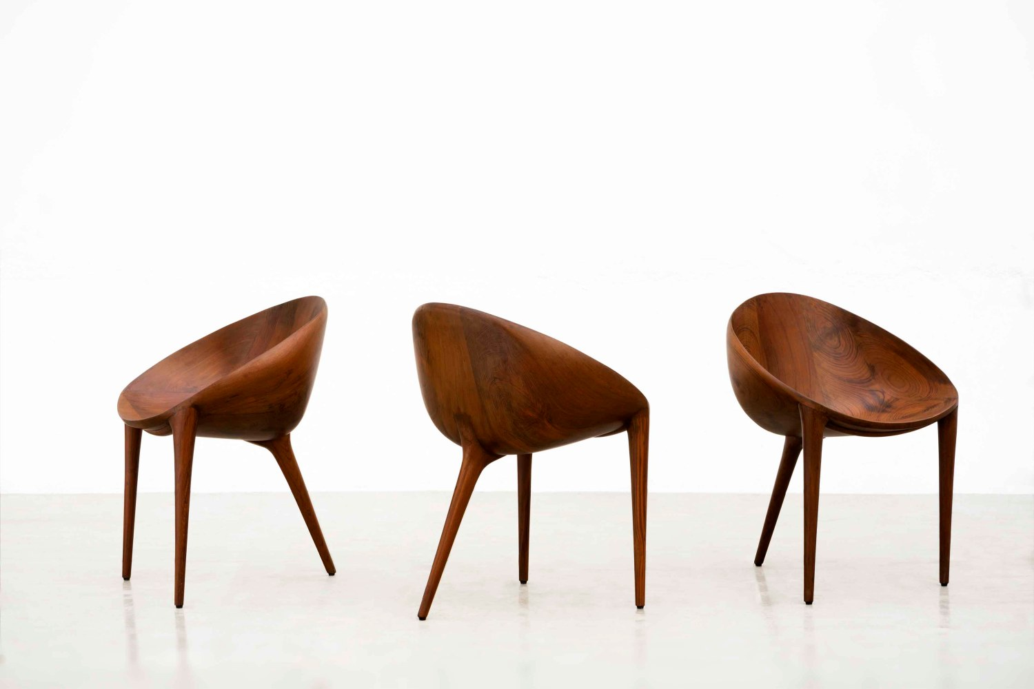 Egg Chairs, a tripod seater that's ergonomically apt