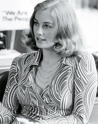 Cybill Shepherd wearing a wrap dress in Taxi Driver (1976)