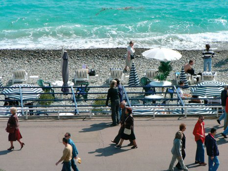 Nice: the lure of the waves