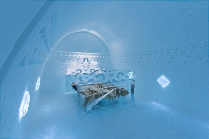 Suite 310, called 'Borderland' in Icehotel 2015
