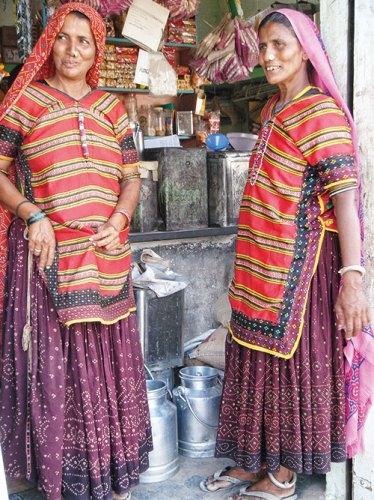 Halepotra women in Dhamadka village, Kutch
