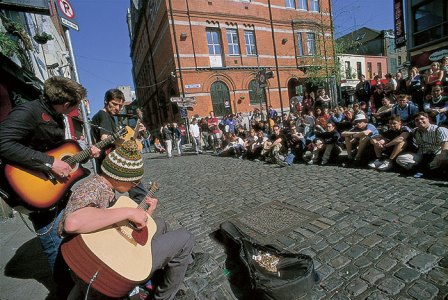 Temple Bar audience