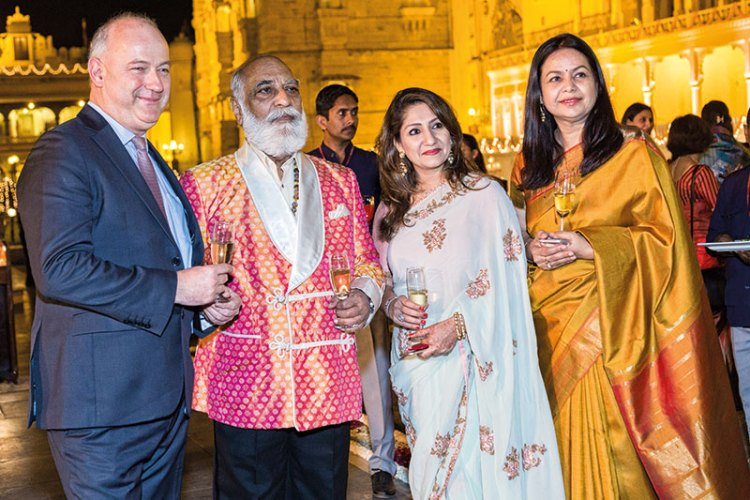 Jean-Christian de la Chevalerie, Arvind Singh Mewar, Sheetal Munshaw, Vrinda Raje Singh