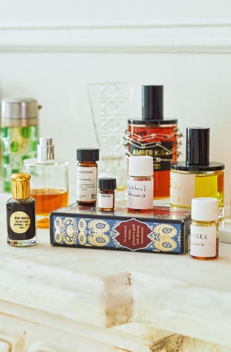 Perfumes and aromatic materials in their living room