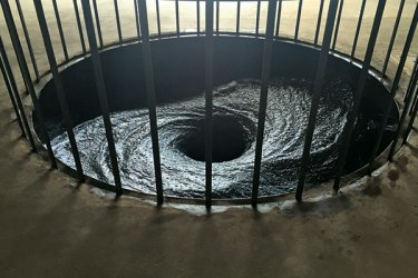 Anish Kapoor's Descencion