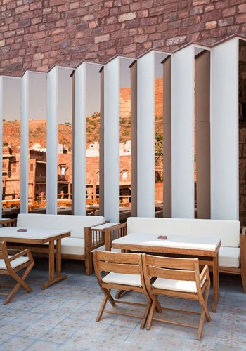 The Reflecting Mirrors In The Outdoor Restaurant Darikhana