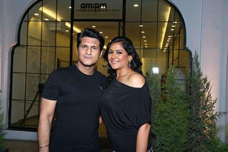 Rajiv and Ruchi Makhni