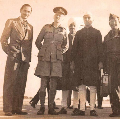 Shori Lal Kapur with Jawaharlal Nehru in Lahore