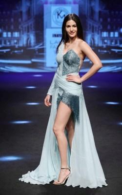 Showstopper Amyra Dastur for Karn Malhotra at Lakme Fashion Week Summer/Resort 2017